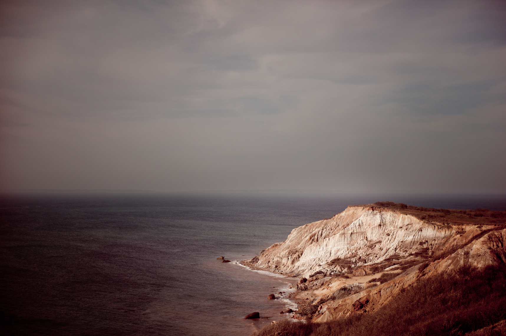 marthas_vineyard_cliffs.jpg